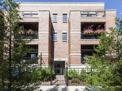 Condominio for sales at Extra Wide Duplex Down 2620 N Racine Avenue Unit 1S Chicago, Illinois 60614 Estados Unidos