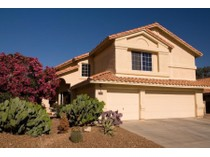 Maison unifamiliale for sales at Very Nice 4 Bedroom Home in Convenient Location 2165 N Jennifer Ave   Tucson, Arizona 85715 États-Unis