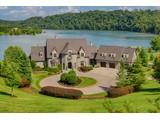 独户住宅 for sales at Sophisticated Lakefront Living! 3847 River Vista Way Louisville, 田纳西州 37777 美国