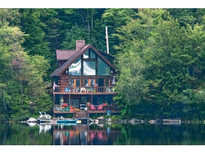 Einfamilienhaus for sales at Year Round Lake Front 541 North End Rd Greenfield, New York 12850 Vereinigte Staaten