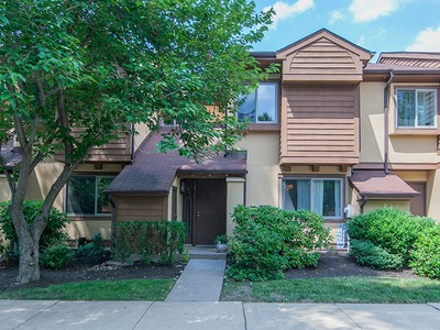 Tek Ailelik Ev for sales at Lovely Upgraded Chelsea Townhome - Plainsboro Township 4420 Sayre Drive  Princeton, New Jersey 08540 Amerika Birleşik Devletleri