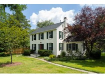 Maison unifamiliale for sales at Hidden From View In Highly Desirable Riverside 721 Kingston Road   Princeton, New Jersey 08540 États-Unis