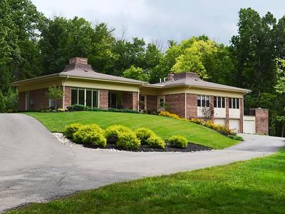Villa for sales at 1467 Moon Valley Ln  Cincinnati, Ohio 45230 Stati Uniti