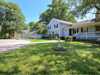 Casa Unifamiliar for sales at 6520 Mayfair Avenue  Prospect, Kentucky 40059 Estados Unidos