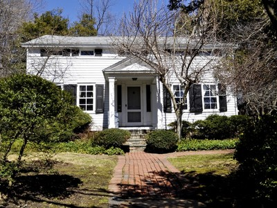 Single Family Home for sales at Historic Colonial 45 Hunts Place Chappaqua, New York 10514 United States