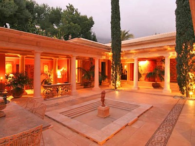 Einfamilienhaus for sales at Herrliche Villa in Altroemische Stil in Altea, Costa Blanca Avenida Bernia Altea, Alicante Costa Blanca 03590 Spanien