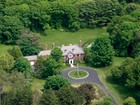 Casa Unifamiliar for  sales at 57 Foreside Road    Cumberland, Maine 04110 Estados Unidos
