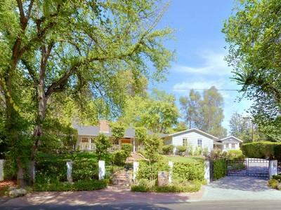 Moradia for sales at 5408 Penfield Ave   Woodland Hills, Califórnia 91364 Estados Unidos