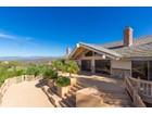 Maison unifamiliale for  sales at 2081 Elevado Road    Vista, Californie 92084 États-Unis