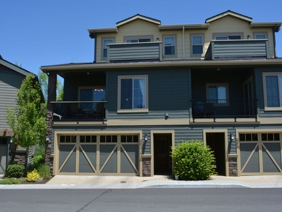 Moradia for sales at The Old Mill District Townhome 692 SW Otter Way Bend, Oregon 97702 Estados Unidos