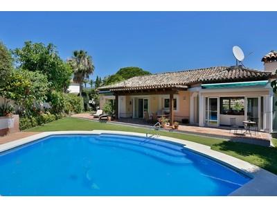 獨棟家庭住宅 for sales at Villa with golf views Nueva Andalucia Las Brisas Marbella, 安達盧西亞 29660 西班牙