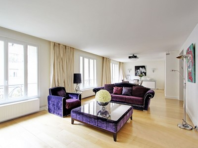 Apartamento for sales at Apartment - Henri Martin  Paris, Paris 75116 Francia