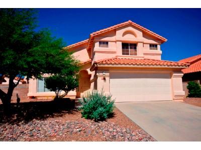 Частный односемейный дом for sales at Gorgeous Home In A Popular Northeast Tucson Neighborhood 8805 E Mason Street  Tucson, Аризона 85715 Соединенные Штаты
