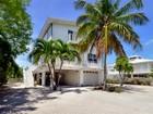 Nhà ở một gia đình for sales at Lakefront Home 34 Mutiny Place Key Largo, Florida 33037 Hoa Kỳ