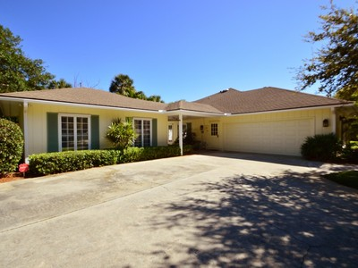 Casa Unifamiliar for sales at Pebble Bay Estates 4616 Pebble Bay E Vero Beach, Florida 32963 Estados Unidos