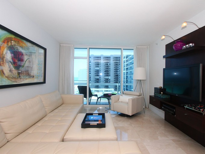 Wohnung for sales at Canyon Ranch Center Tower 1110 6801 Collins Ave Unit 1110   Miami Beach, Florida 33141 Vereinigte Staaten
