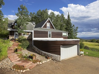 Maison unifamiliale for sales at Strawberry Park Home 41700 RCR 38A Steamboat Springs, Colorado 80487 United States