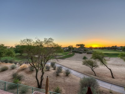 Condominio for sales at Beautifully Updated Condo in The Landmark on the Kierland Golf Course 15802 N 71st Street #313  Scottsdale, Arizona 85254 Estados Unidos