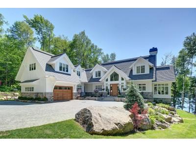 Vivienda unifamiliar for sales at Fantastic bright contemporary home on Lac Desmarais 939 Ch. Cochrane  Mont-Tremblant, Quebec J8E0C7 Canadá