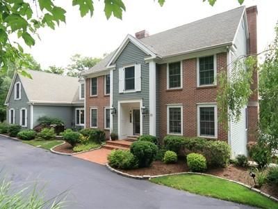 단독 가정 주택 for sales at Complete Privacy 40 Rolling Hills Road Ridgefield, 코네티컷 06877 미국