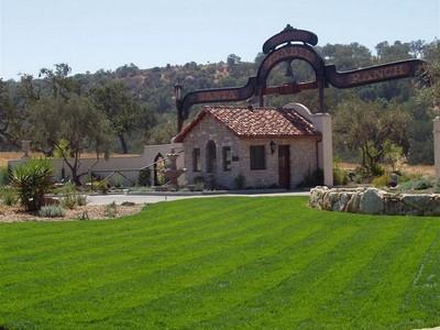 Terreno for sales at LOT WITH GORGEOUS VIEWS! 1320 Burnt Rock Way Lot #104  Templeton, Califórnia 93465 Estados Unidos