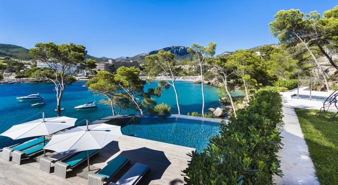 Einfamilienhaus for sales at Villa mit Meerzugang in Camp de Mar  Camp De Mar, Mallorca 07157 Spanien