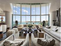 Condomínio for sales at Bristol Tower 2127 Brickell AV #703   Miami, Florida 33129 Estados Unidos