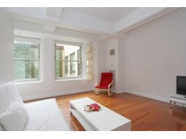 Copropriété for sales at Spacious Studio with High Ceilings and Luxury Finishes 88 Greenwich Street 728   New York, New York 10006 États-Unis