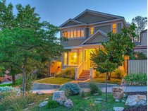 Einfamilienhaus for sales at Exceptional & Charming Remodeled Avenues Home 333 N D Street   Salt Lake City, Utah 84103 Vereinigte Staaten