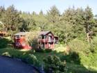 Einfamilienhaus for  sales at Spacious Beach Home 307 Yukon Cannon Beach, Oregon 97110 Vereinigte Staaten