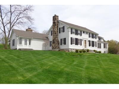Maison unifamiliale for sales at RED FOX FARM 181 Beebe Hill Road Falls Village, Connecticut 06031 États-Unis
