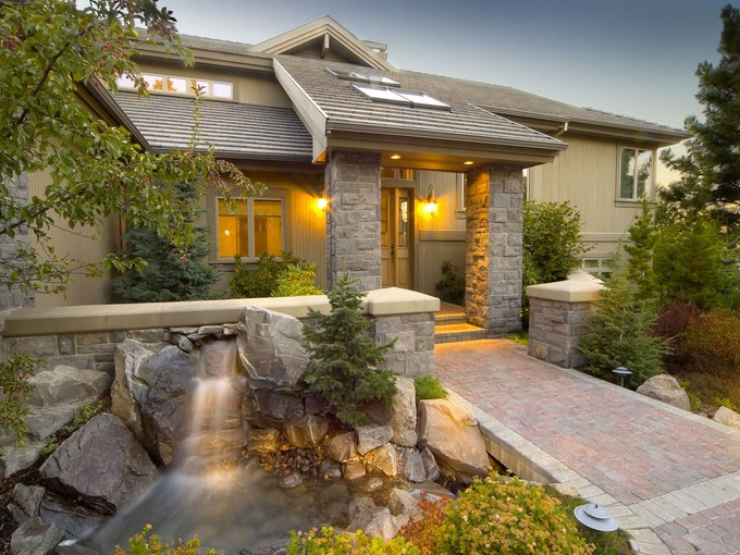 Maison unifamiliale for sales at Dramatic Home Exemplifies Quality & Elegance 1895 NW Remarkable Drive Bend, Oregon 97701 États-Unis