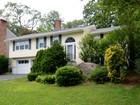 """Maison unifamiliale for sales at """"Quiet Cul-de-Sac"""" 8 Lundy Lane Larchmont, New York 10538 États-Unis"""