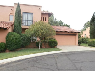 Condominio for sales at Elegant Hacienda Style Condo 26 Rim Trail Circle Sedona, Arizona 86351 Stati Uniti