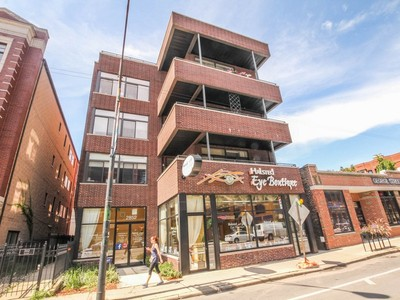 Condominium for sales at Upgraded Lincoln Park Condo 2852 N Halsted Street Unit 3S Chicago, Illinois 60657 United States