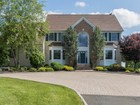 Einfamilienhaus for sales at Quality Features Throughout 7 E. Dreahook Road Whitehouse Station, New Jersey 08889 Vereinigte Staaten