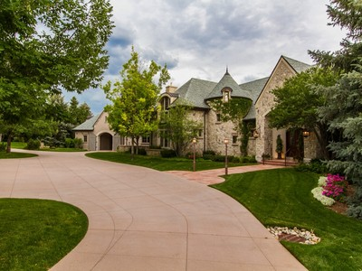 Villa for sales at Greystone Manor 22 Cherry Hills Park Drive  Cherry Hills Village, Colorado 80113 Stati Uniti