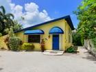Maison unifamiliale for sales at Charming Canalfront Cottage 156 Venetian Drive Islamorada, Florida 33036 États-Unis