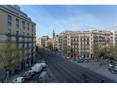 Appartement for sales at Exceptional property in regal building Barcelona City, Barcelona Espagne