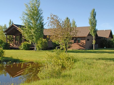 Nhà ở một gia đình for sales at Westbank Gem on Horse Friendly Acreage 1915 Rivendell Drive West Bank North, Wyoming 83014 Hoa Kỳ