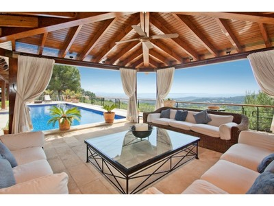 Einfamilienhaus for sales at Traditionelle Luxus-Villa in Son Vida   Palma Son Vida, Mallorca 07013 Spanien