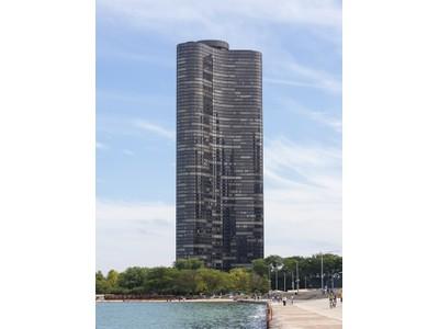 Кооперативная квартира for sales at Simply Spectacular! 505 N Lake Shore Drive Unit 6705 Chicago, Иллинойс 60611 Соединенные Штаты