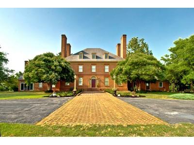Villa for sales at Salisbury Equestrian Estate 24901 Collins Wharf Road Eden, Maryland 21822 Stati Uniti