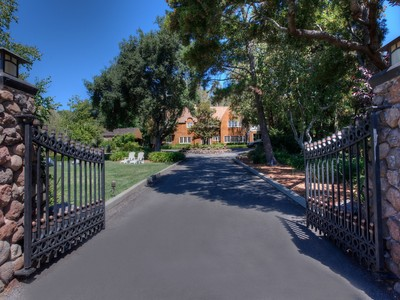 獨棟家庭住宅 for sales at Timeless Classic Estate 1644 Grand Avenue San Rafael, 加利福尼亞州 94901 美國