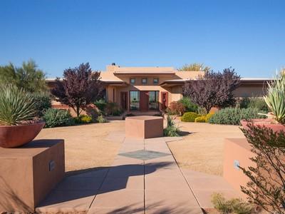 Moradia for sales at Limitless Privacy with Endless Views 12795 E Cove Mesa Rd 1 Cornville, Arizona 86325 Estados Unidos