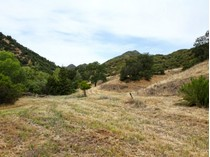 Đất đai for sales at Beautiful 32+ Acre Parcel Close to Town! 8781 Tassajara Creek Rd.   Santa Margarita, California 93453 Hoa Kỳ