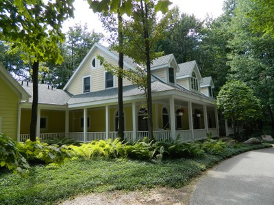 Casa para uma família for sales at Remarkable Harbor Springs Home 661 Woodhill Harbor Springs, Michigan 49740 Estados Unidos