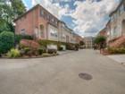 Adosado for  rentals at Brookhaven Townhome 1403 Towne Estates Drive  Atlanta, Georgia 30319 Estados Unidos