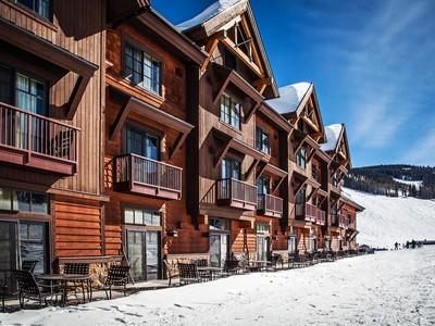 Condominio for sales at Village Center Condo 48 Big Sky Resort Road Village Center 389 Big Sky, Montana 59716 Stati Uniti