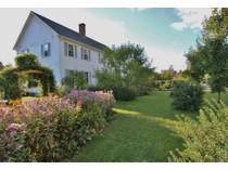 Casa para uma família for sales at Peacham Groton Road 147 Peacham Groton Road   Peacham, Vermont 05862 Estados Unidos